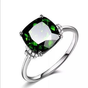 Jewelry - Silver 925 emerald birthstone wedding ring